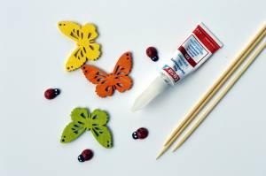 Sekundowy klej w żelu tesa i drewniane motyle, biedronki