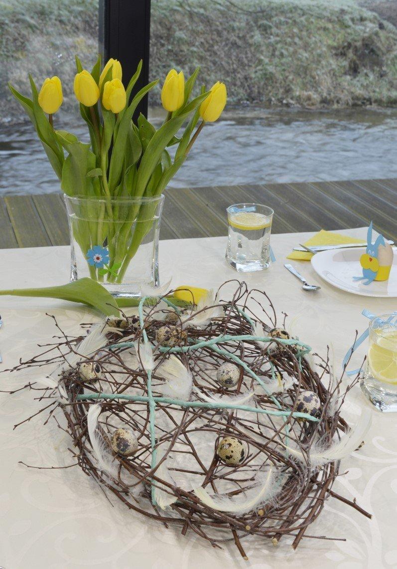 Wiosenny wieniec ozdobą stołu