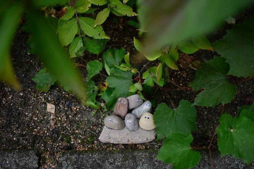Kamienna rodzinka, chór z kamieni