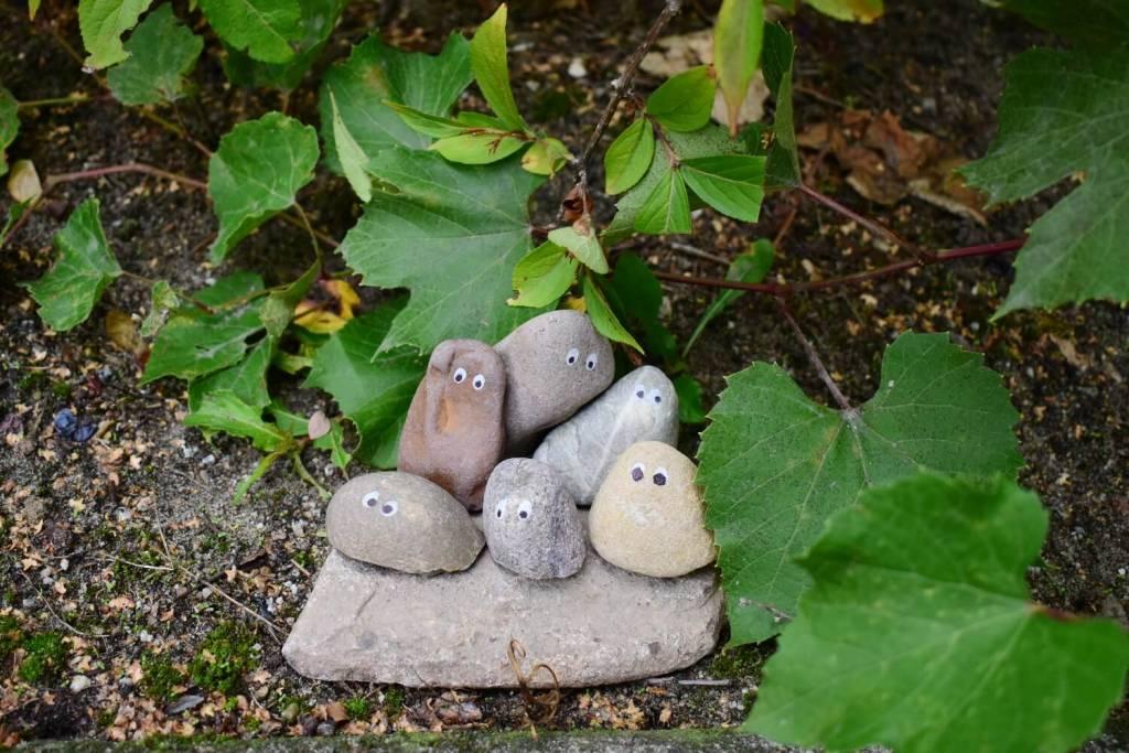 Ozdoba z kamieni do ogrodu