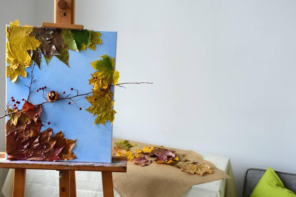 Jesienny obrazek z liści
