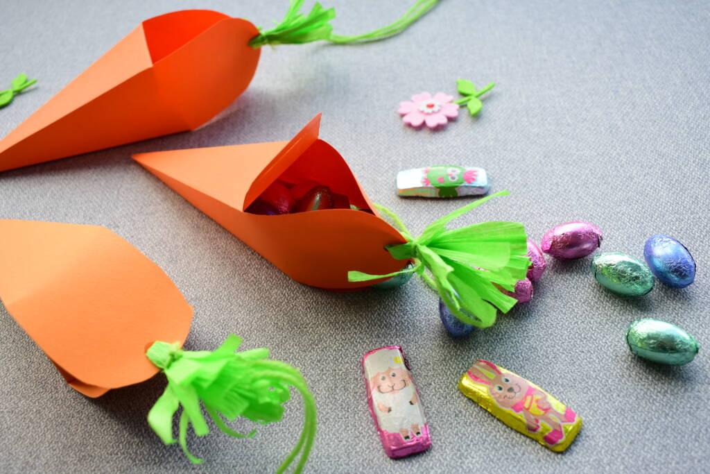 Wielkanocne pudełko w kształcie marchewki